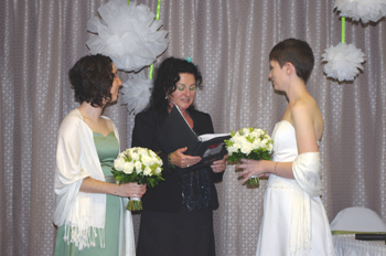 Liz & Danielle held their Commitment with Rainbow Pride Celebrant Marilyn Verschuure